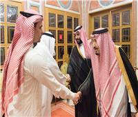 الملك سلمان وولي العهد يستقبلان أفراد عائلة «خاشقجي»