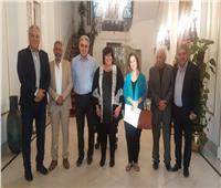وزيرة الثقافة تلتقي أعضاء اللجنة العليا لمهرجان الأقصر للسينما الإفريقية