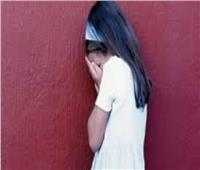 عامل يتحرش بطفلة عقب عودتها من مكتب لتحفيظ القرآن بالفيوم