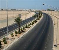 «الطرق والكباري»: رصف طريق السويس حتى الدائري.. وسكة منفصلة للنقل الثقيل