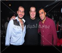 صور| طارق عبد الحليم يحتفل بعيد ميلاد محمد حسن