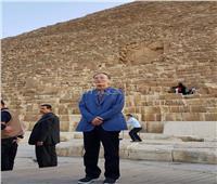نائب رئيس الصين يزور منطقة أهرامات الجيزة