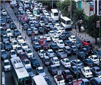 فيديو| كثافات مرورية عالية على الطرق والمحاور الرئيسية بالقاهرة