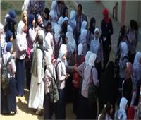 تبادل الاتهامات بين مسئولي مدرسة بالفيوم ووالدة تلميذة بسبب 5 جنيهات