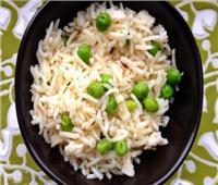 طبق اليوم| تعرفي على طريقة تحضير «أرز بالبسلة»