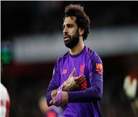 صور| صلاح يتخلى عن جبيرته في منتصف مباراة أرسنال وليفربول