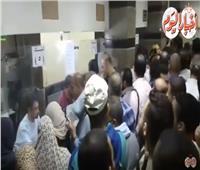 فيديو| إغماء وتكدس بمكاتب البريد لشراء كراسات «الإسكان الاجتماعي»