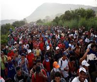 أول دفعة من المهاجرين متجهة إلى أمريكا تصل إلى عاصمة المكسيك