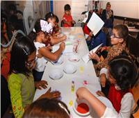 لوحات رملية من إبداعات أطفال معرض الشارقة الدولي للكتاب