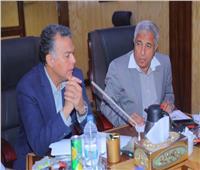وزير النقل يعقد اجتماعًا مع محافظ أسوان لبحث تسيير المراكب النيلية