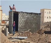 ضبط 3 موظفين بالدقهلية لتورطهم مع أشخاص في بناء عقارات مخالفة