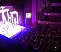 صور| وزير الثقافة تستمتع بألحان «الشاروني» في المسرح الكبير