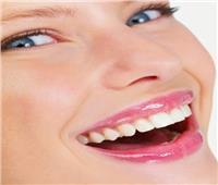وداعًا لتقويم الأسنان.. الـ«فينير» حل سحري لإزالة الفراغات وضبط الضروس