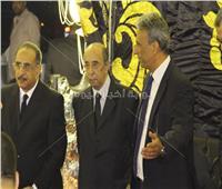 فيديو وصور| نجوم الفن والسياسة والإعلام في عزاء حمدي قنديل