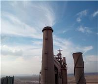 البيئة تحكم سيطرتها على انبعاثات مداخن شركة السويس للأسمنت