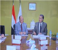 وزير النقل يبحث مع محافظ القاهرة إزالة مخلفات «السكك الحديدية»
