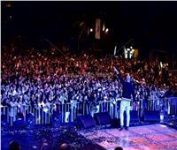 صور| «العسيلي» يتألق في «الجامعة الأمريكية».. ويشكر تامر حسني