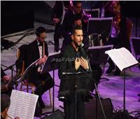 صور| محمد الشرنوبي يطرب جمهوره في مشاركته الأولى بمهرجان الموسيقى