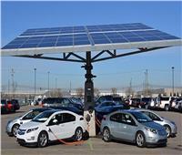 فيديو  أستاذ هندسة بترول يوضح مستقبل السيارات الكهربائية فى مصر