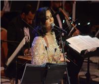 صور| نوال الكويتية تبدع في مشاركتها الأولى بمهرجان الموسيقى العربية