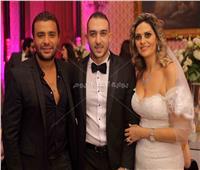 صور| نيللي ورامي صبري ولطفي يحتفلون بزفاف «ميرا وبيتر»