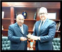 وزير الأثار وسفير دولة الكويت يبحثان سبل التعاون