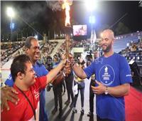 صور| «الخولي» يحمل شعلة كأس العالم للتنس الأرضي بالدومنيكان