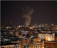 إسرائيل تقصف محطة تلفزيونية تابعة لحماس بعد قذائف تحذيرية