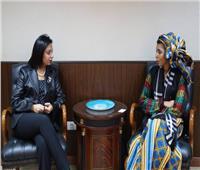 سفيرة الأمم المتحدة للنوايا الحسنة تشيد باهتمام السيسي بالشباب