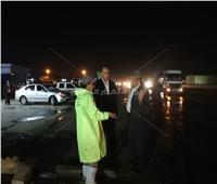 محافظ الإسكندرية يتابع أعمال كسح وشفط تجمعات مياه الأمطار بالعامرية