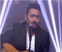 تامر حسني يبدأ الحلقة الثانية من «صاحبة السعادة» بأغنية «180 درجة»