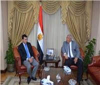 وزير الشباب والرياضة يستقبل محافظ الوادي الجديد بمكتبه