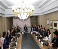 وزير التعليم العالي يجتمع مع ممثلي 8 جامعات مصرية