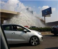 صور وفيديو| كسر ماسورة مياه يصيب محور المشير بارتباك مروري