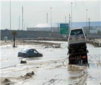 فيديو| السيول تغمر شوارع الكويت