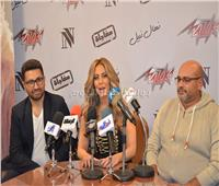 صور| نهال نبيل تحتفل بإطلاق ألبومها الأول