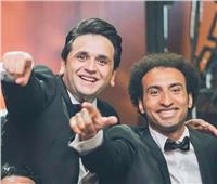 فيديو| نجوم مسرح مصر يغنون «يتعلموا» لعمرو دياب