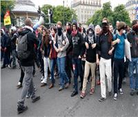 حركة «السترات الصفراء» تغزو شوارع فرنسا