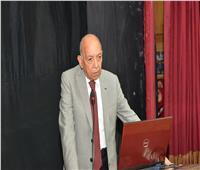 العالم محمد غنيم يطالب بتوحيد مناهج وامتحانات كليات الطب