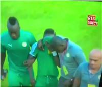 بالفيديو.. تعرف علي سبب بكاء « مانى » في لقاء السنغال وغينيا