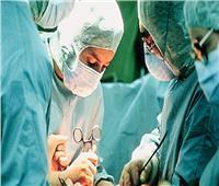 فيديو| براعة الأطباء تنقذ شاباً تعرض لطعنة في القلب