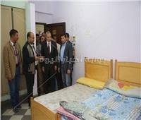 وزير الشباب في زيارة تفقدية مفاجئة لنادي الفتيات ونزل الشباب في قنا