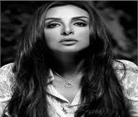 صور .. أنغام بـ«ملابس الحداد» في حفلها الأخير