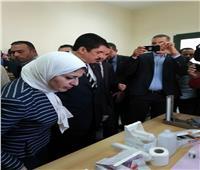 بسبب 40 جنيهًا.. وزيرة الصحة تعنف مسئولي «حميات قليوب»