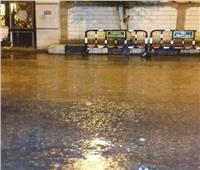صور| أمطار غزيرة على دمياط وتوقف حركة الملاحة