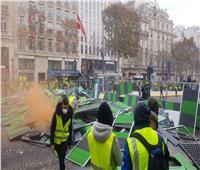 صور| أعمال تخريب في «الشانزليزيه».. والشرطة الفرنسية تفرق 8 آلاف متظاهر