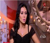 فيديو  رانيا يوسف: «فستان المهرجان جابلي كابوس»