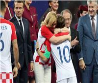 رئيسة كرواتيا تهنئ مودريتش على فوزه بالبالون دور