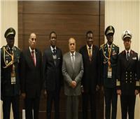 «التراس» ووزير الدفاع الكاميروني يبحثان تعزيز التعاون خلال فعاليات «إيديكس 2018»