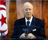 الرئيس التونسي بفرض حالة الطوارئ في البلاد لمدة شهر